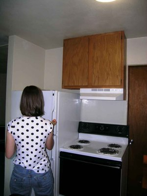 Kitchen_tall_cupboard_sm